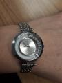 Женские часики на металлическом браслете с танцующими кристаллами, стильные