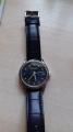Часы с локоничным дизайном