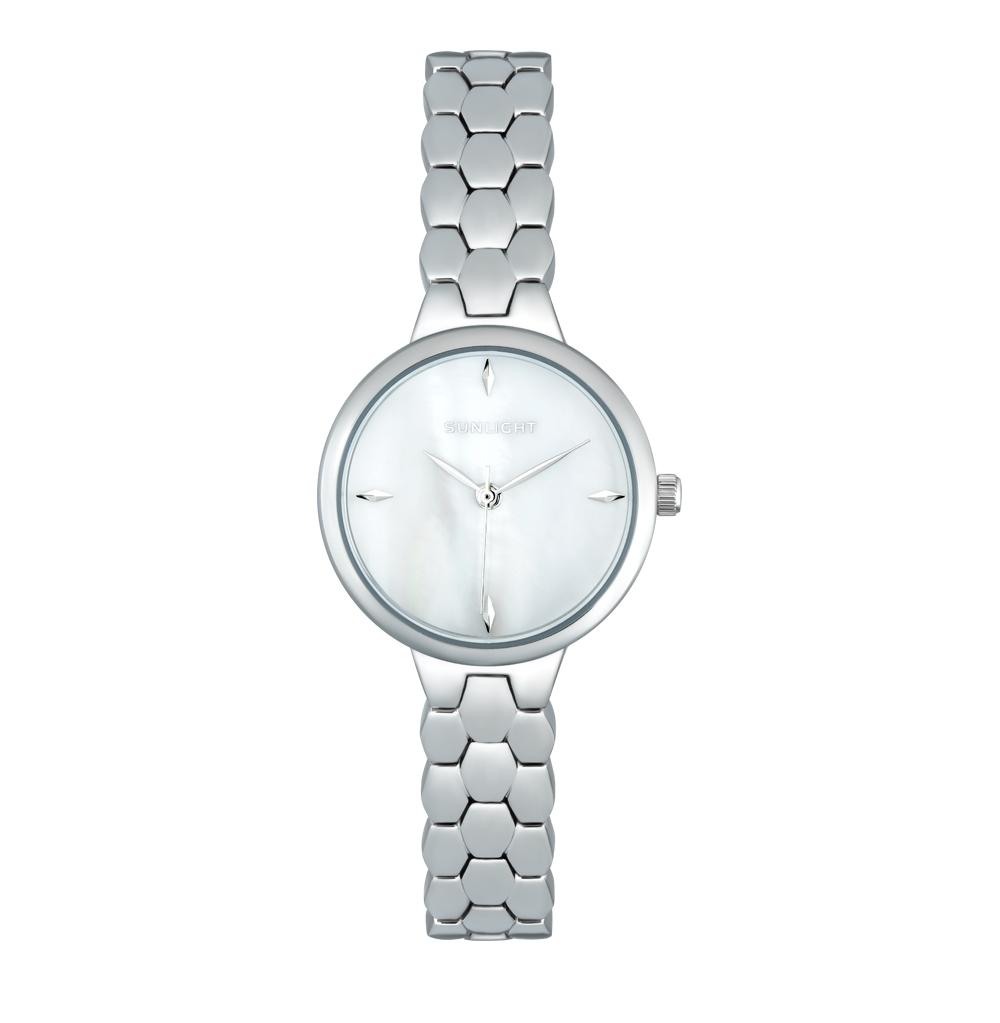 Женские часы с перламутром на металлическом браслете