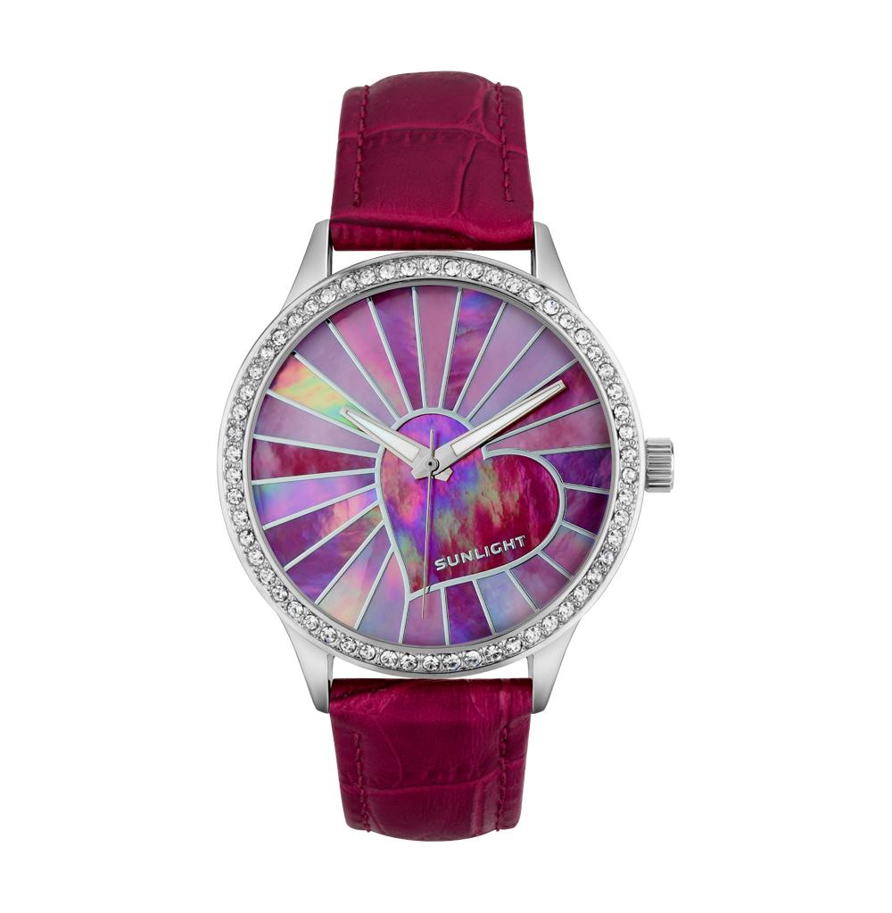 Фото «Женские часы с кристаллами и перламутром на кожаном ремне»