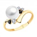 золотое кольцо с фианитами и жемчугом SOKOLOV 791138