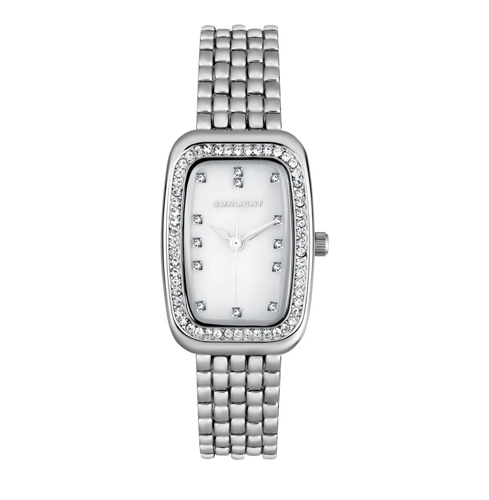 Женские часы с перламутром и кристаллами на металлическом браслете в Санкт-Петербурге