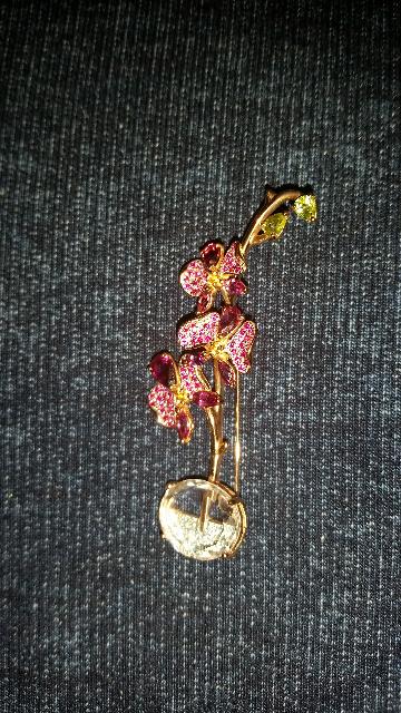 Брошь-орхидея