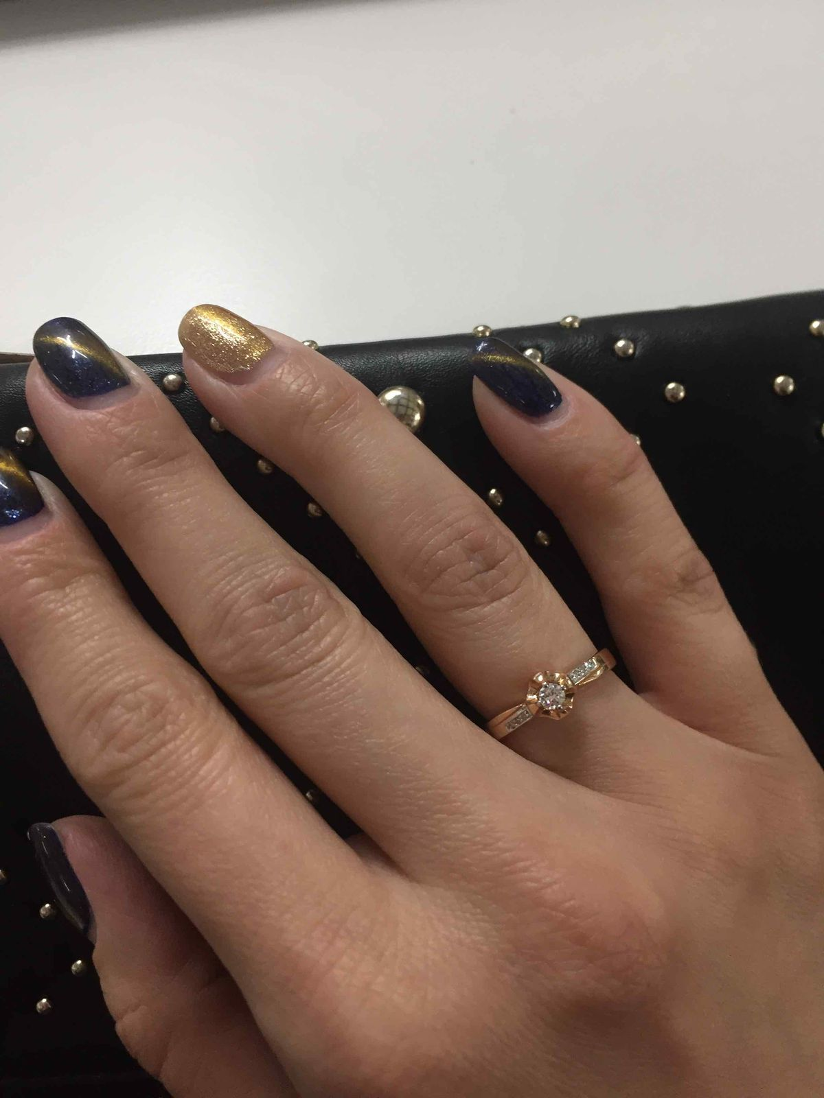 Кольцо с бриллиантами сногсшибательное!!!