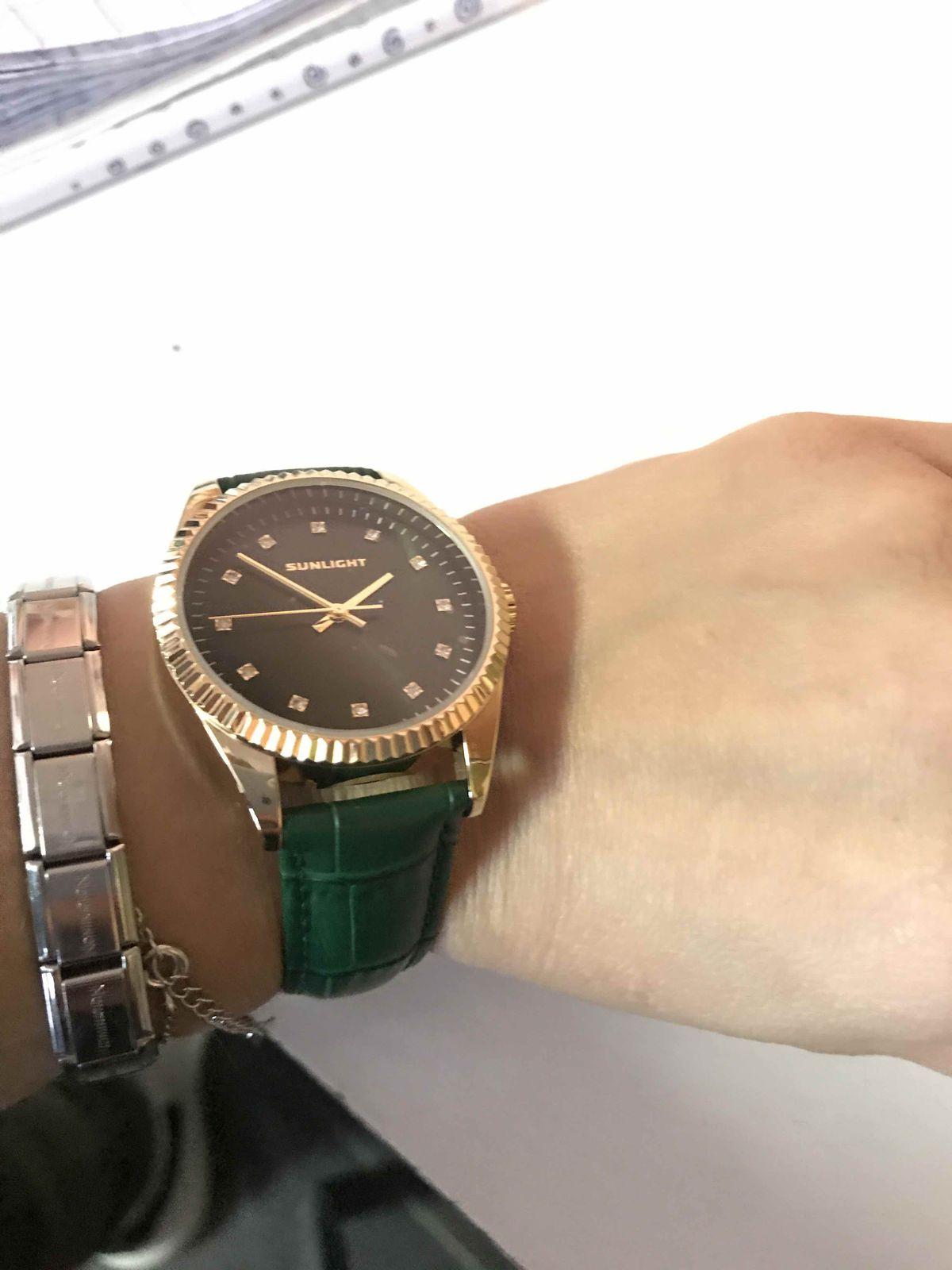 Часы Изумрудного цвета