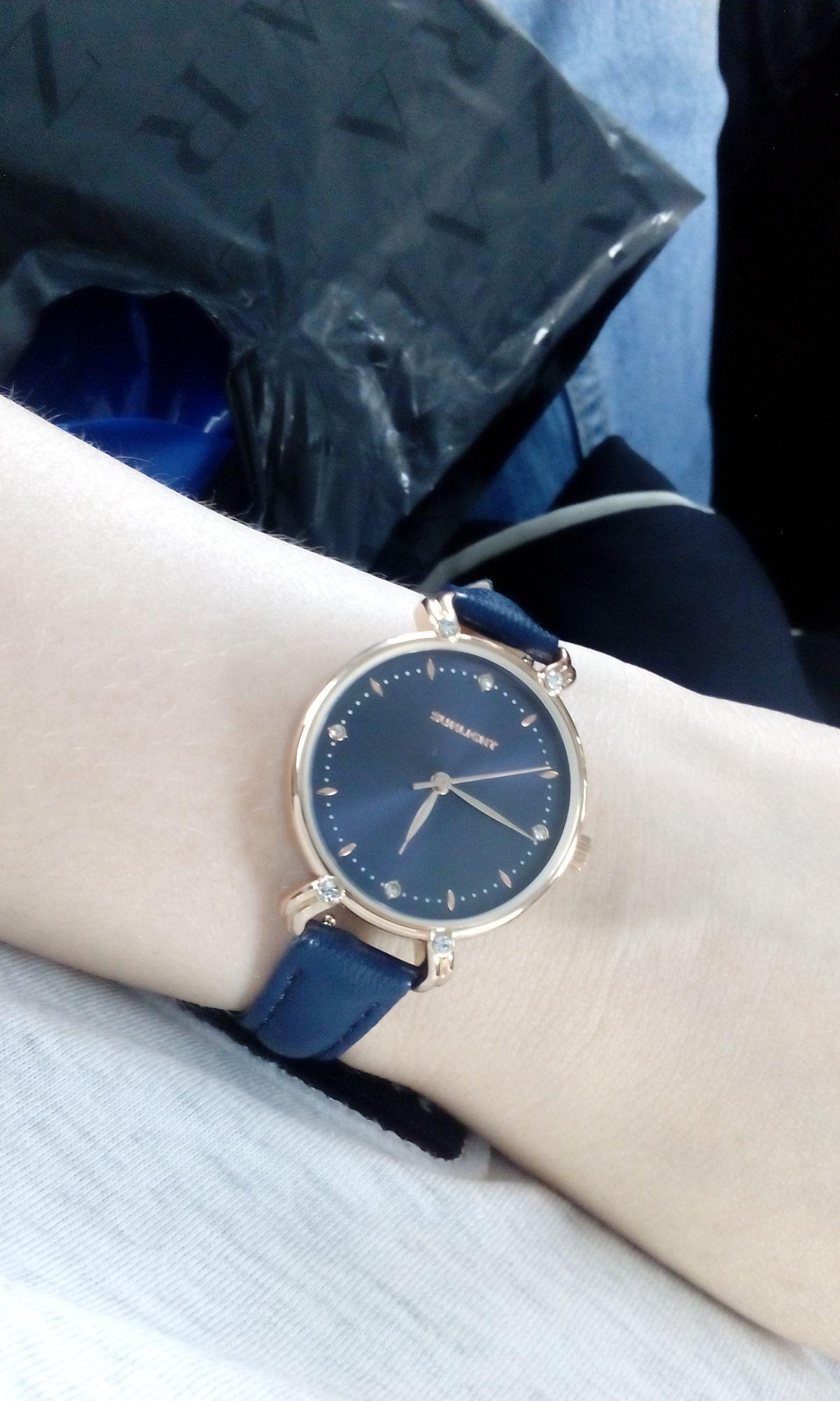 Аккуратные женственные часы