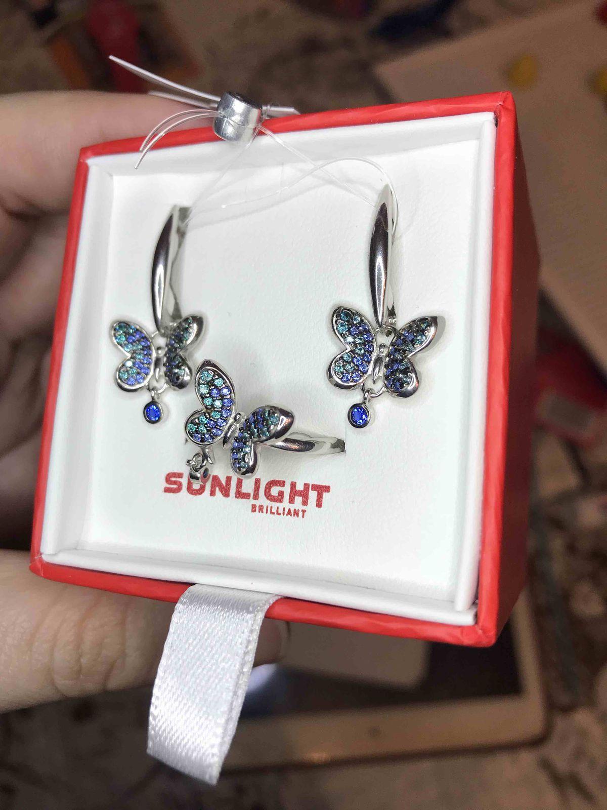 Такие красивенькие серёжечки-бабочки