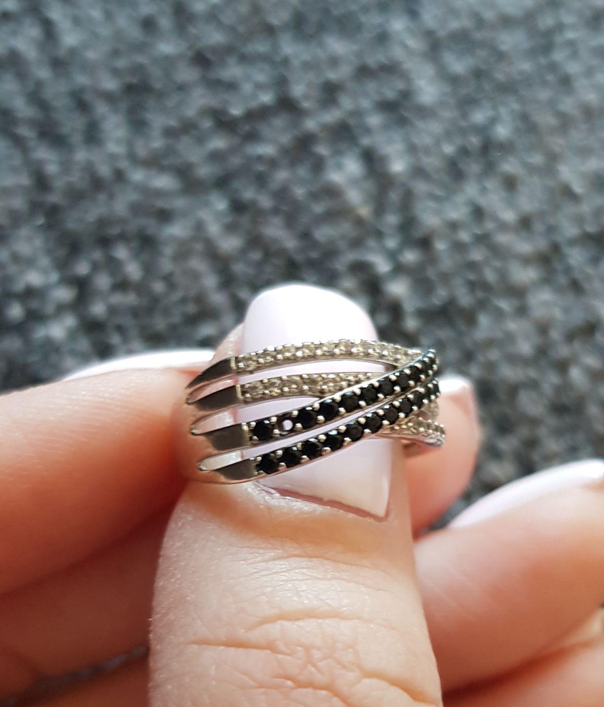 Красивое, но не очень качественное кольцо