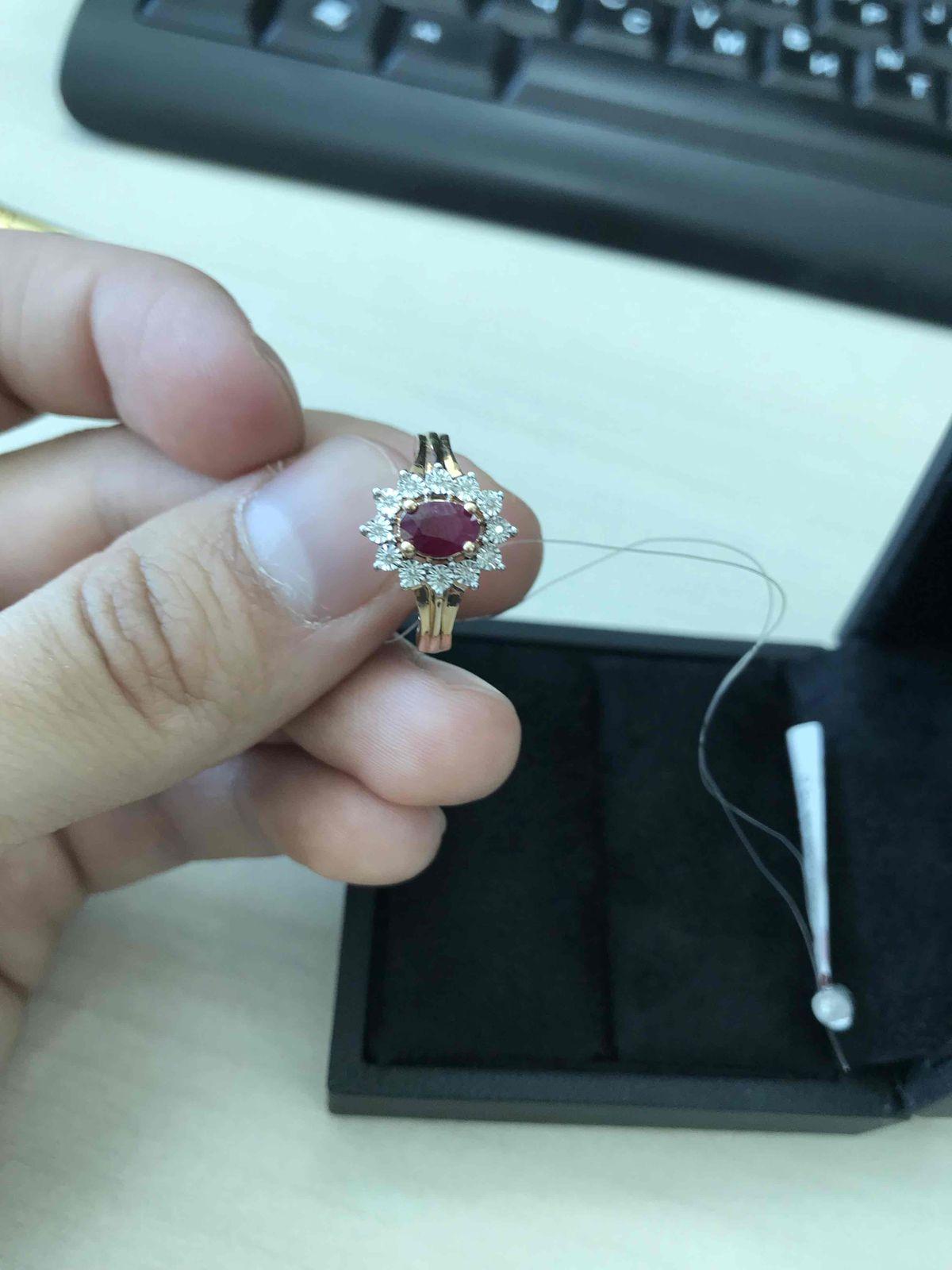 Кольца с рубином тяжело найти, особенно, если ищешь маленький размер