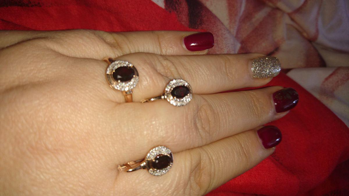 Серьги с гранатами и бриллиантами