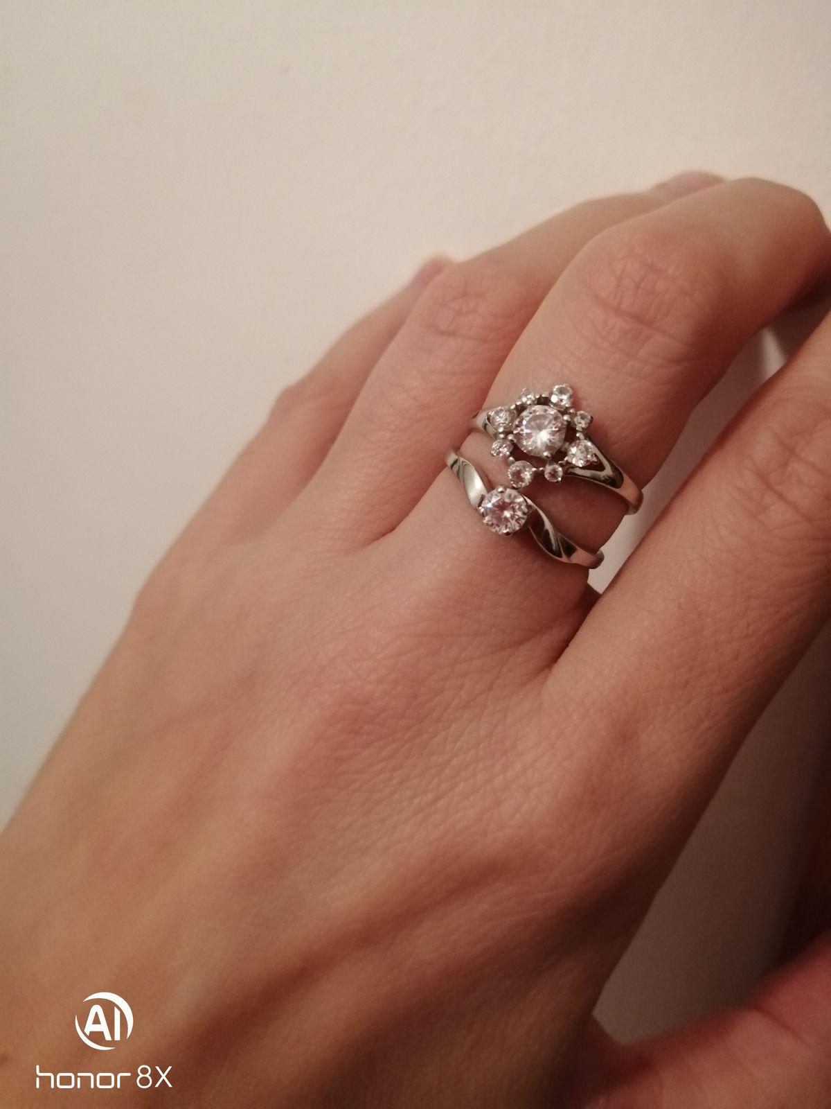 Красивое нежное кольцо, девичье прямо.