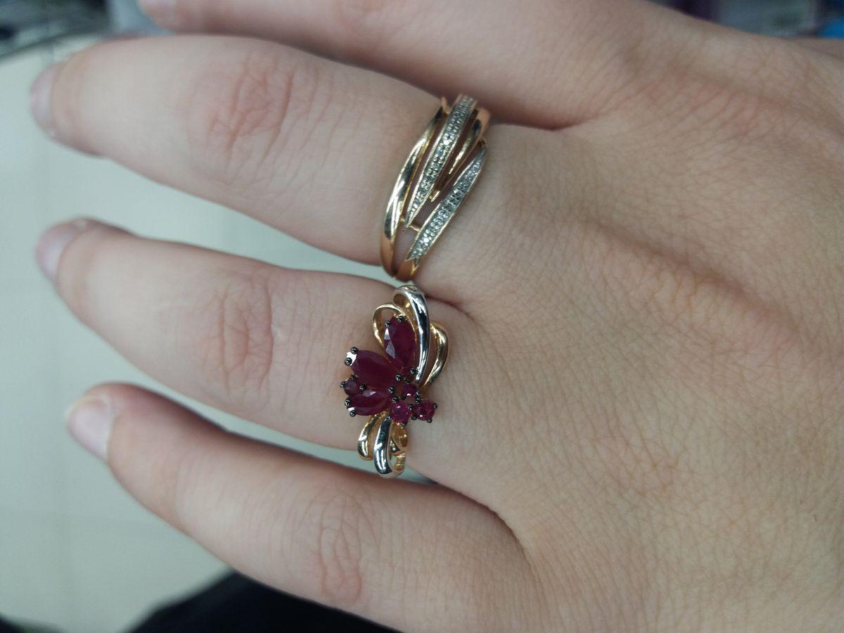 Кольцо с темными рубинами