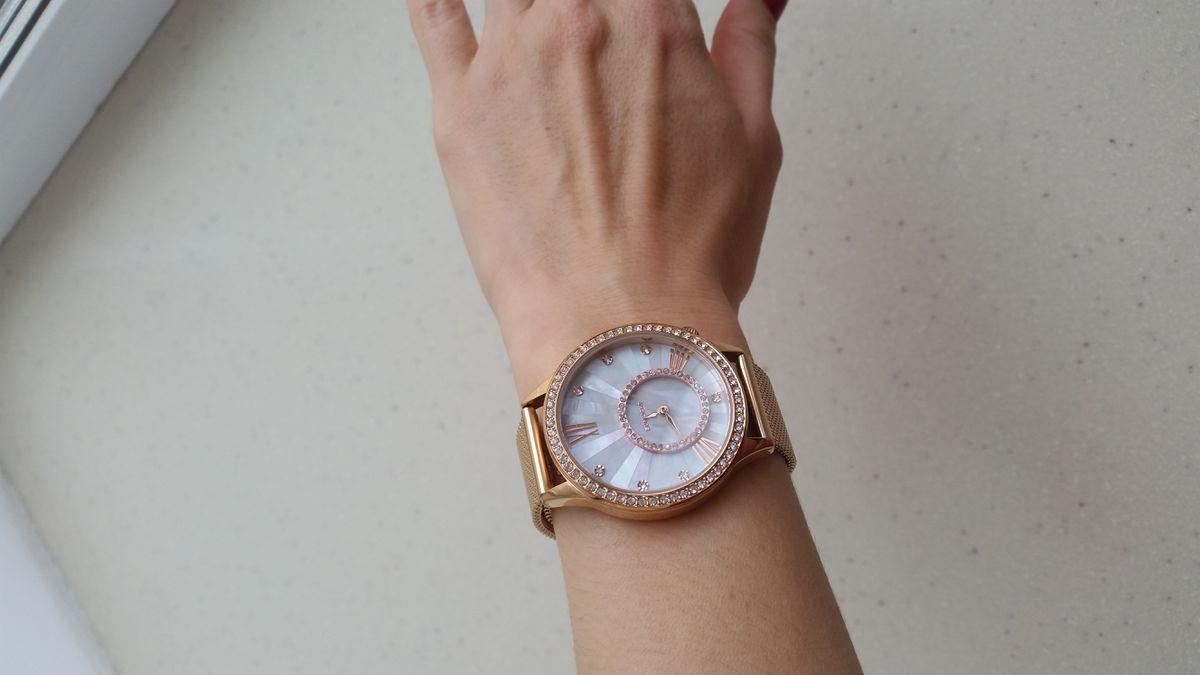 Нарядные часы