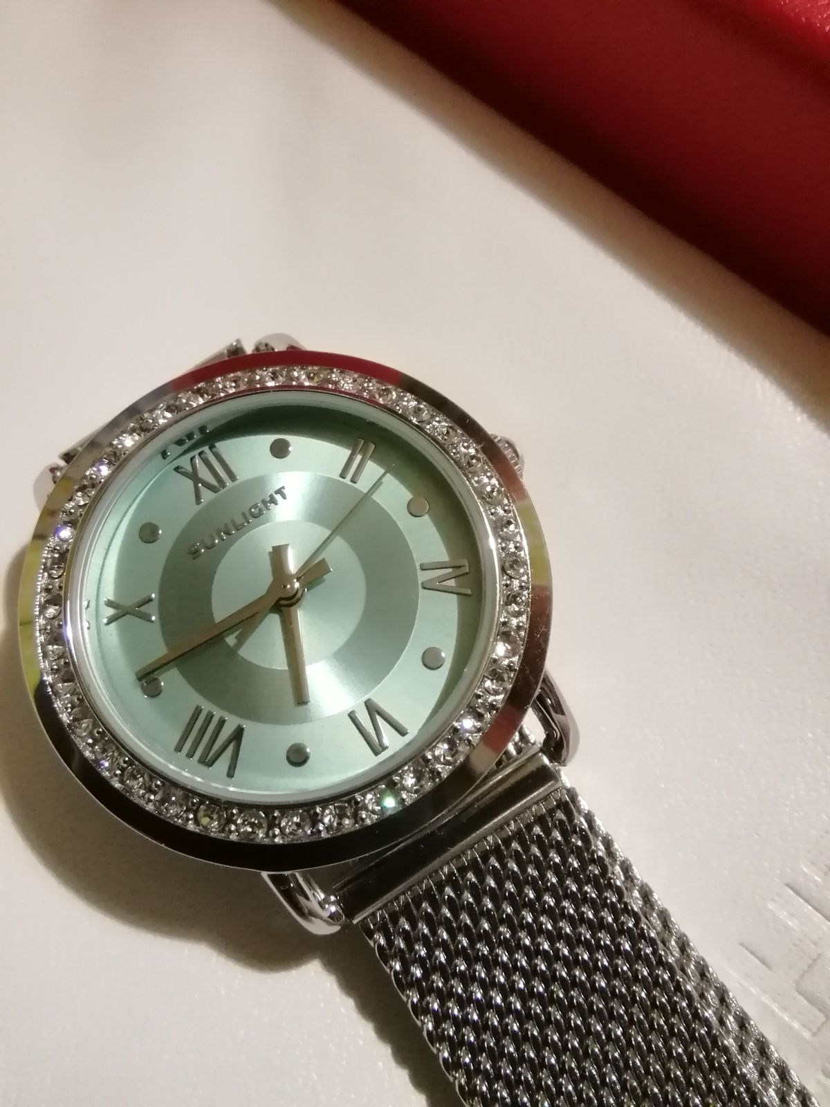 Прелестные, женские часы.