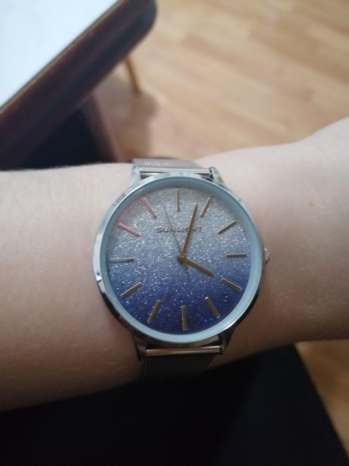 Отличный часы