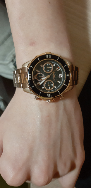 Часы в подарок.