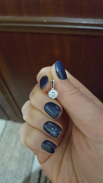 Милые сережки из серебра с крупным фианитом.