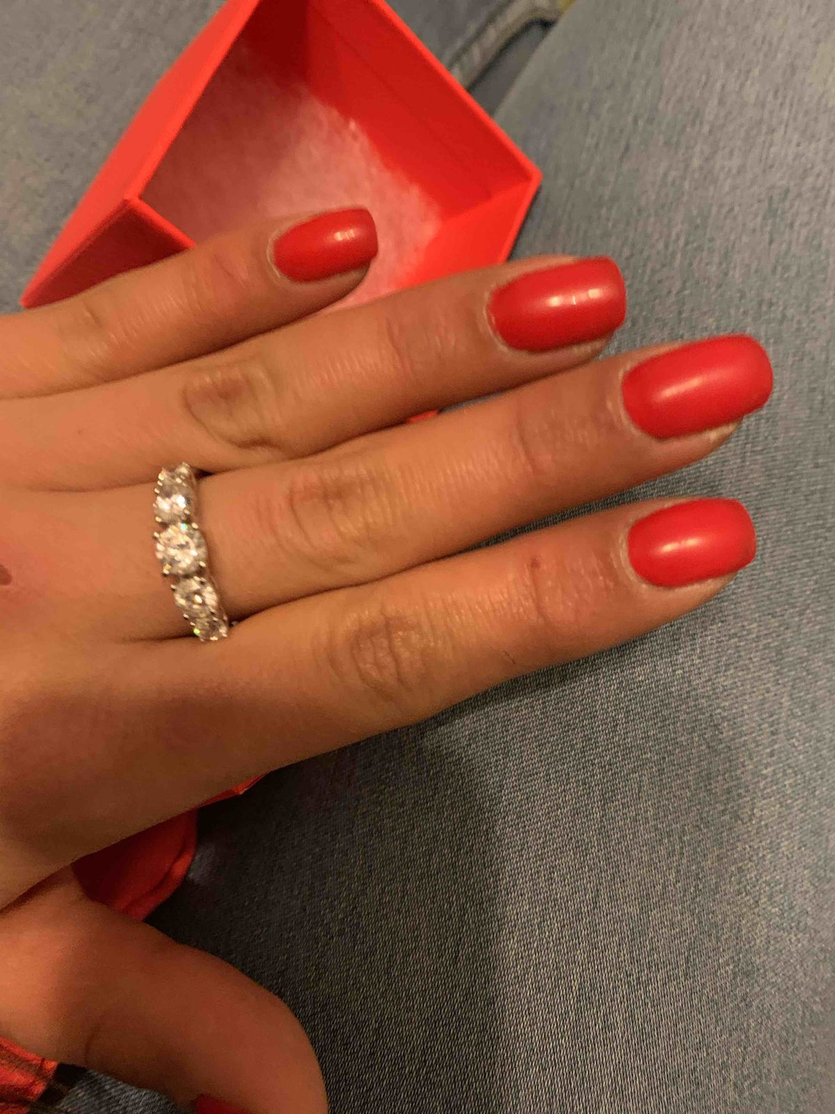 Красивое кольцо, хорошего качества
