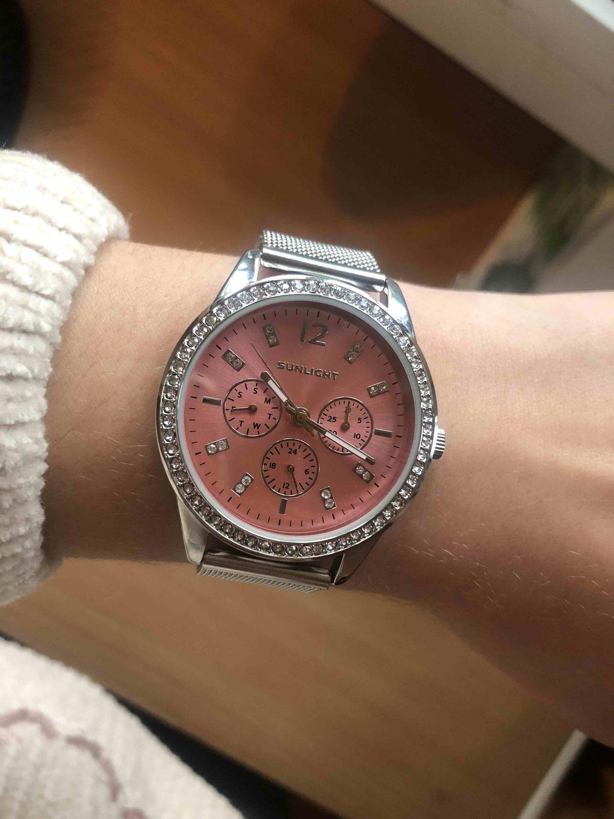 Красивые, женственные часы