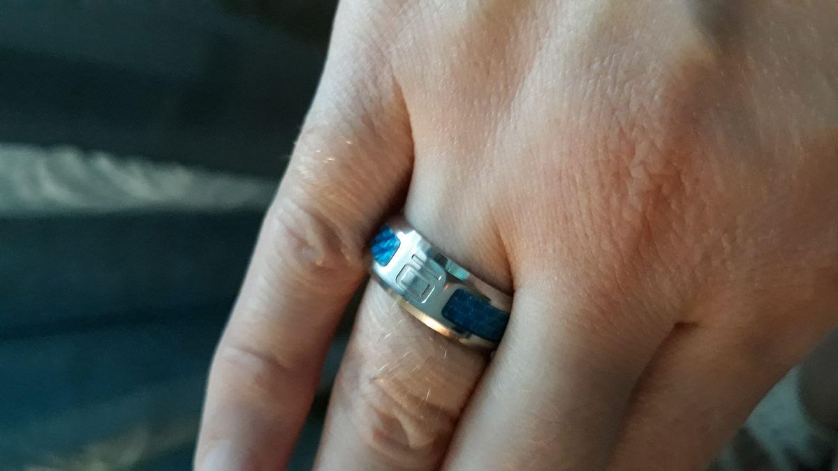 Кольцо из стали.