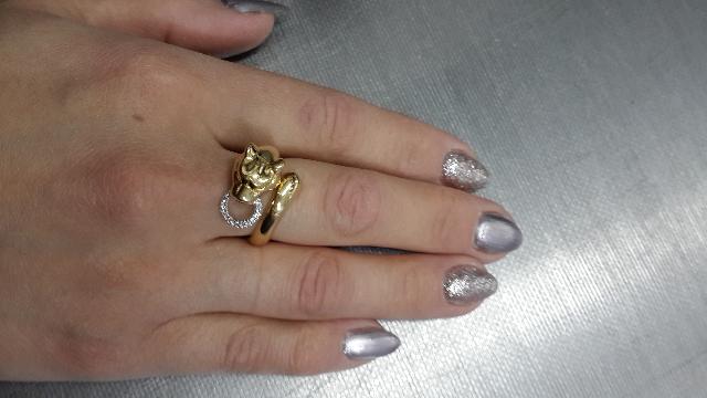 Красивое кольцо давно искала что-то оригинальное объемное легкое и удобное.