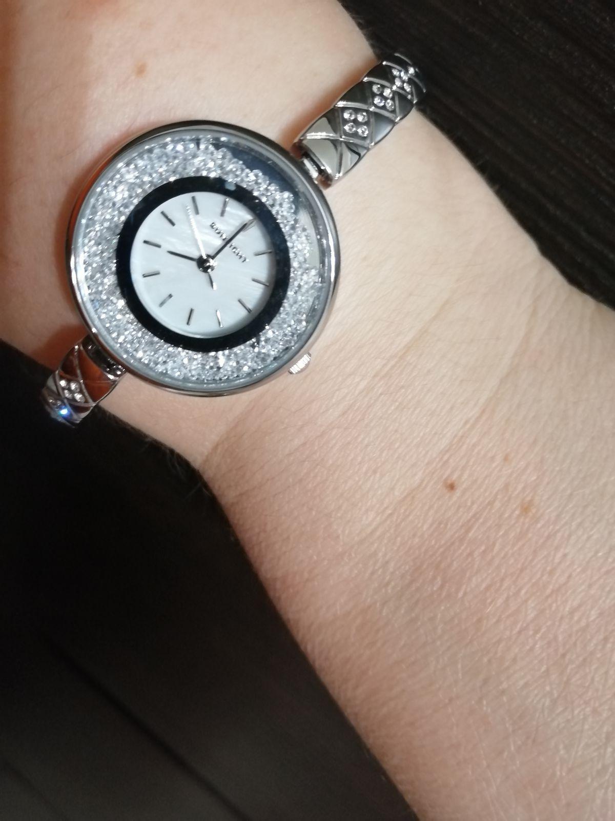 Отличные стильные часы.
