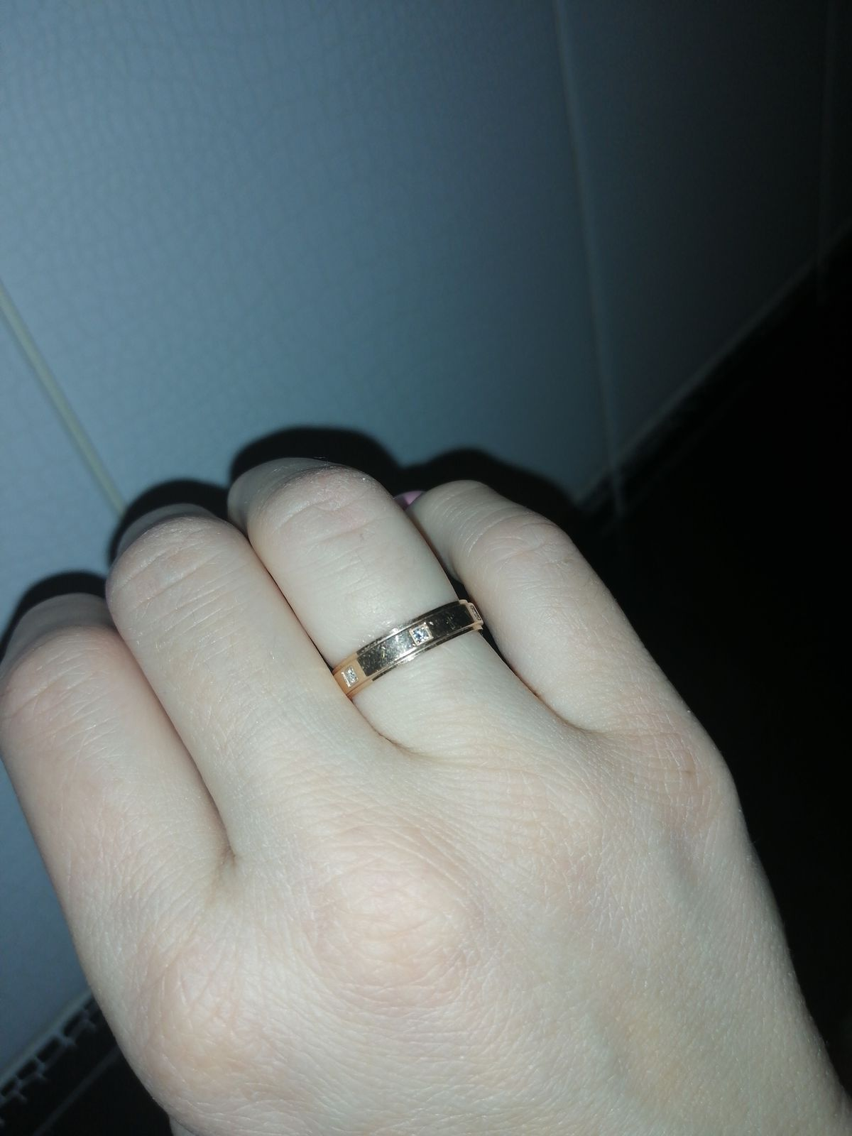 Кольцо с шестью бриллиантами