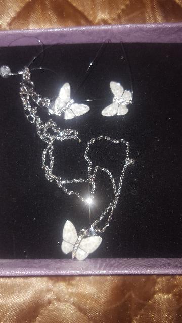 Нежные серьги-перламутровые бабочки