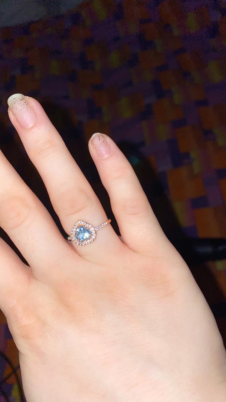 Прекрасный подарок, золотое кольцо с топазами и фианитом!