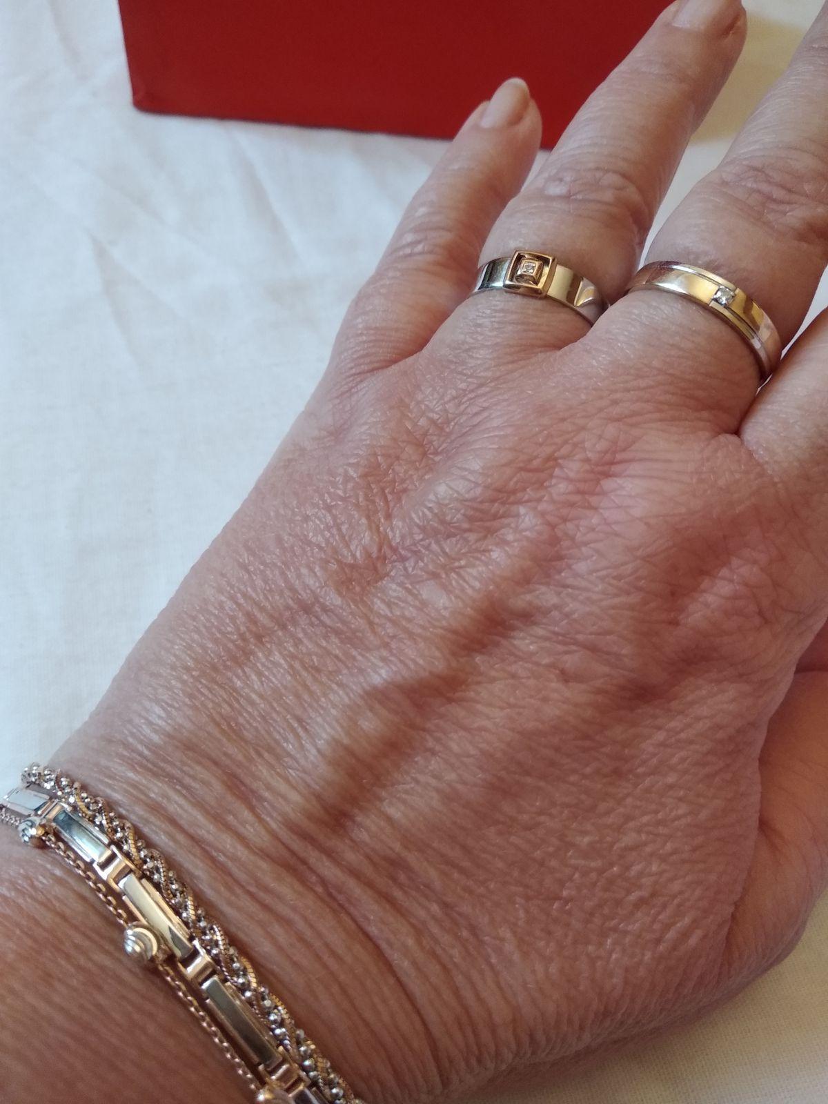 Бриллианты бывают в серебре.