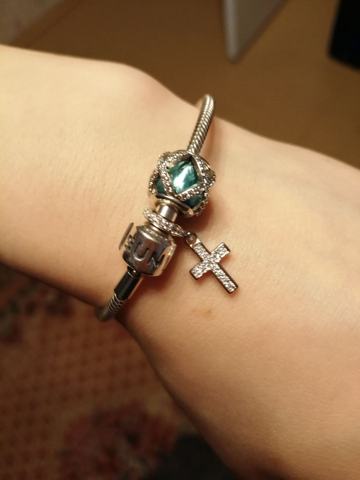 Обожаю кресты! Этот крестик идеален!