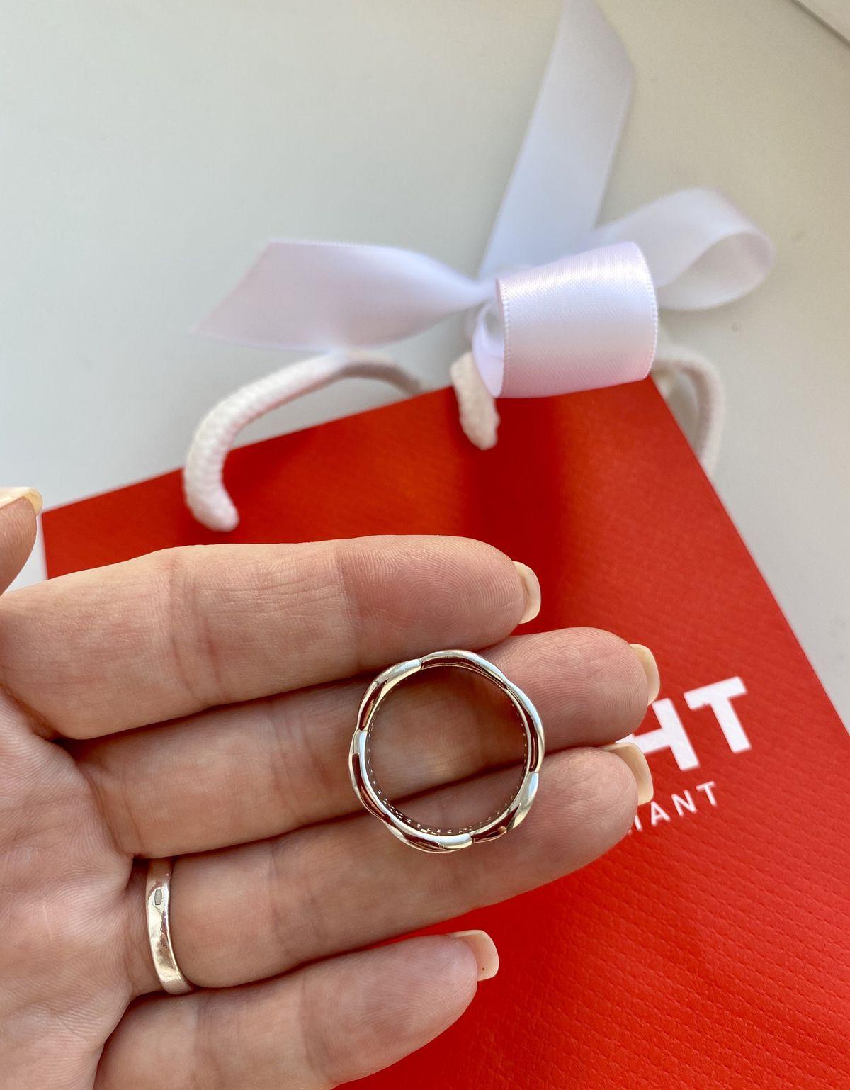 Стильное, серебряное кольцо