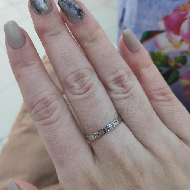 Очень красивое, минималистичное, удобное и приятное кольцо