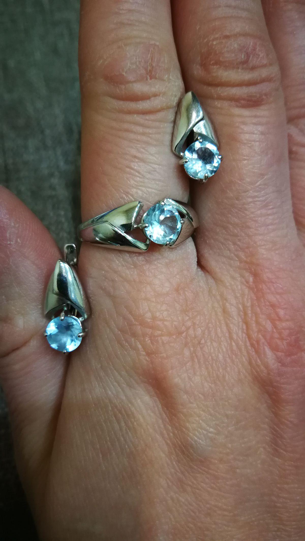 Серебряное кольцо с топазом+ серьги