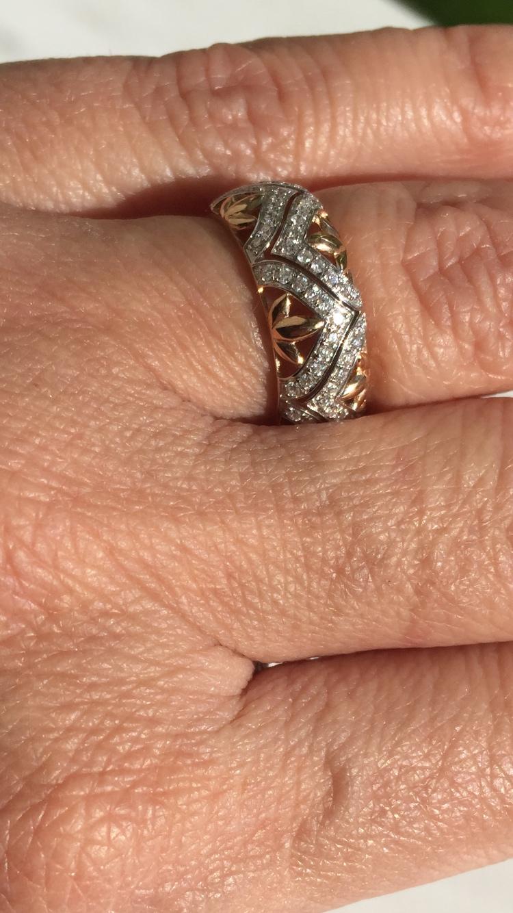 Кольцо с 71 бриллиантами
