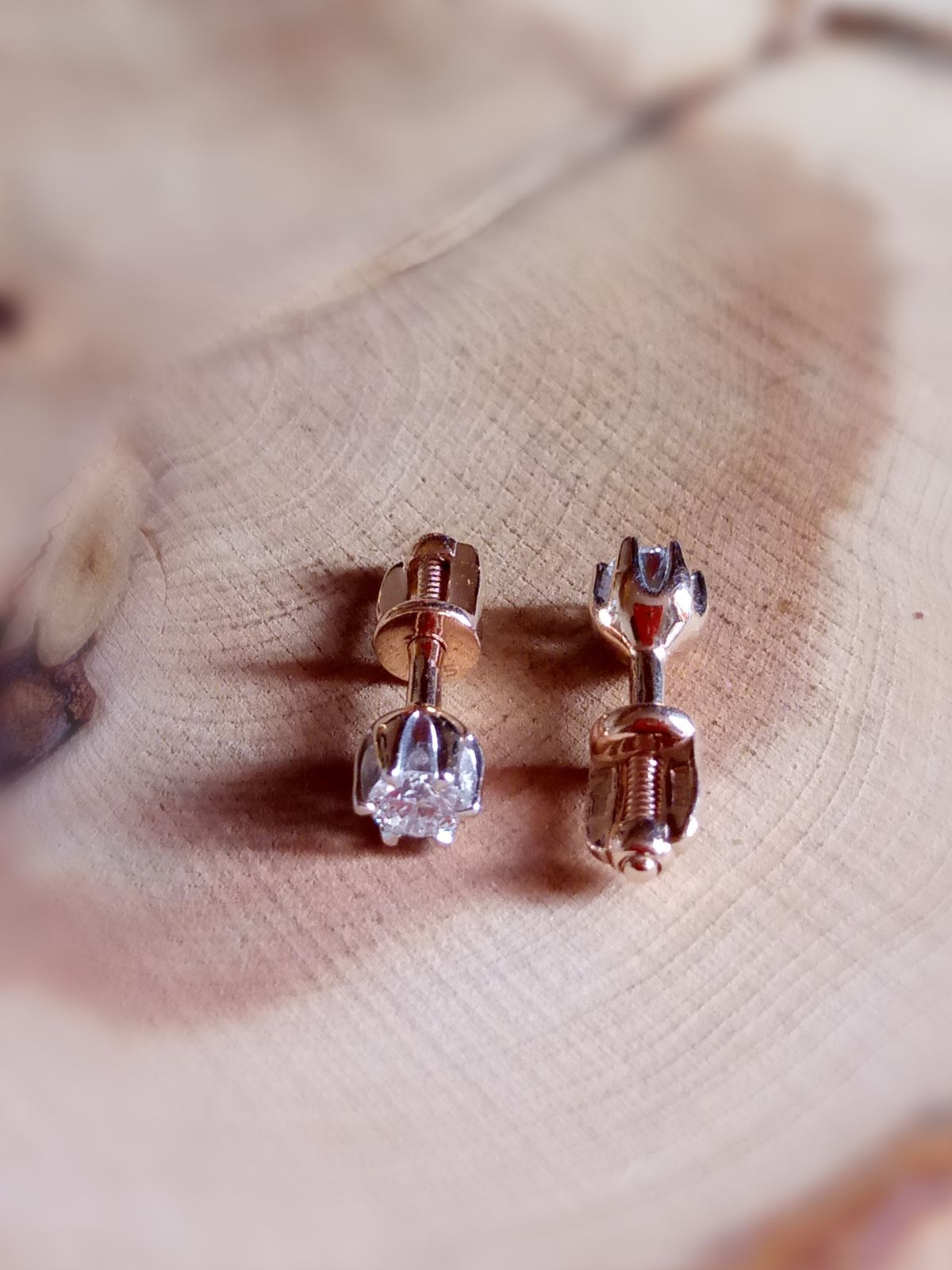 Пусеты с якутскими бриллиантами