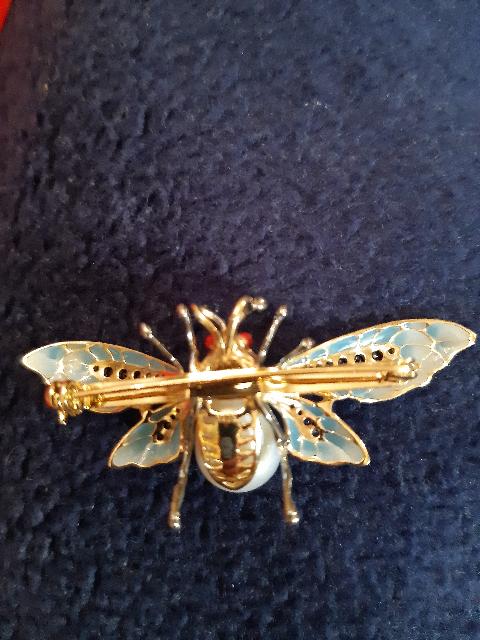 Серебряная брошь-муха