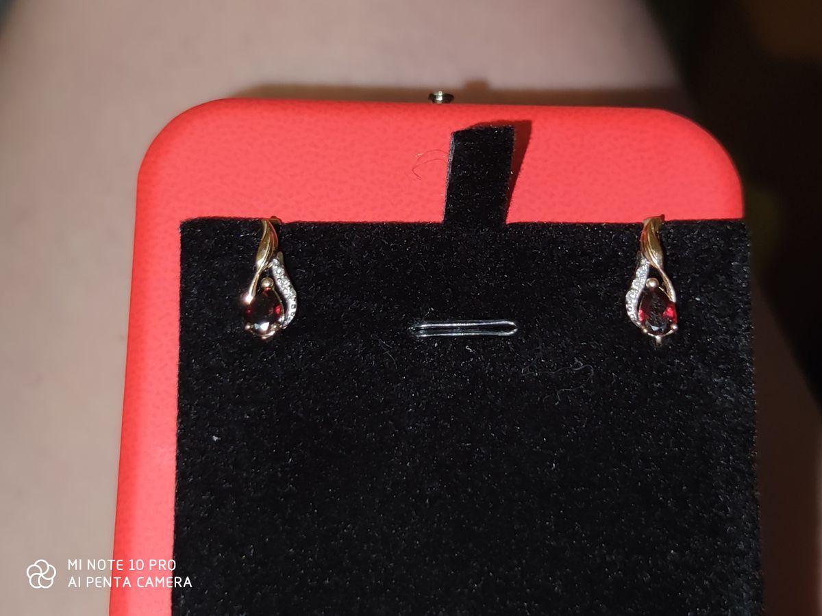 Серьги с гранатом и бриллиантами