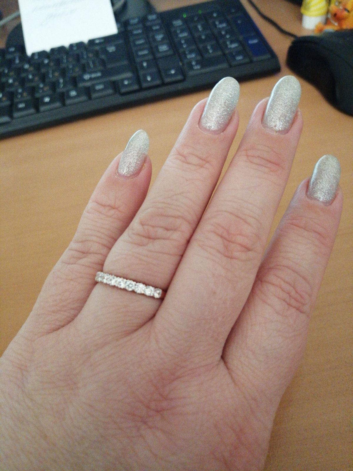 Кольцо  волшебное, на руке смотрится великолепно