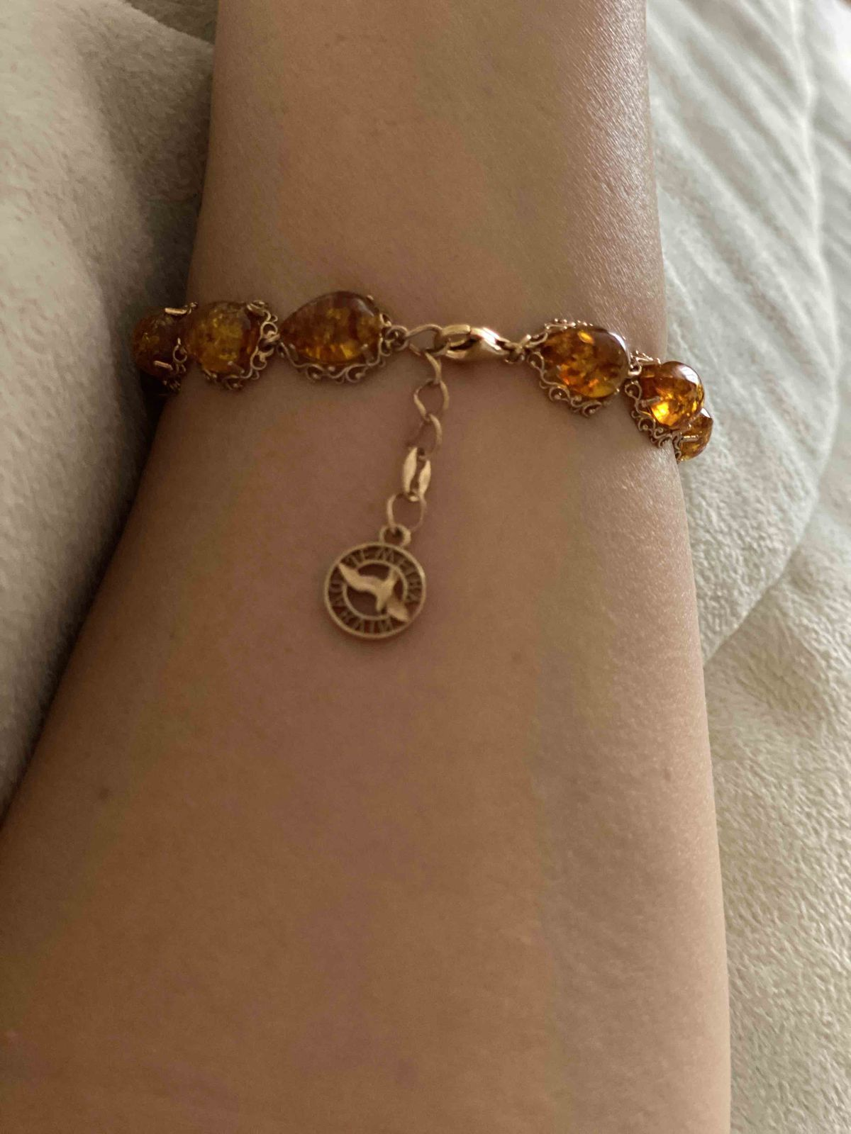 Браслет с янтарем желтым