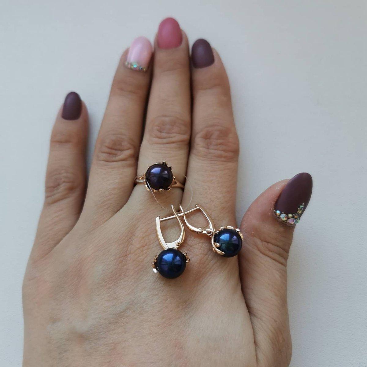 Серьги и кольцо с чёрным жемчугом