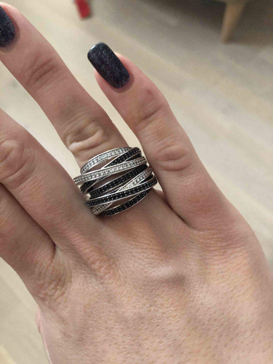 Шикарное вечернее кольцо