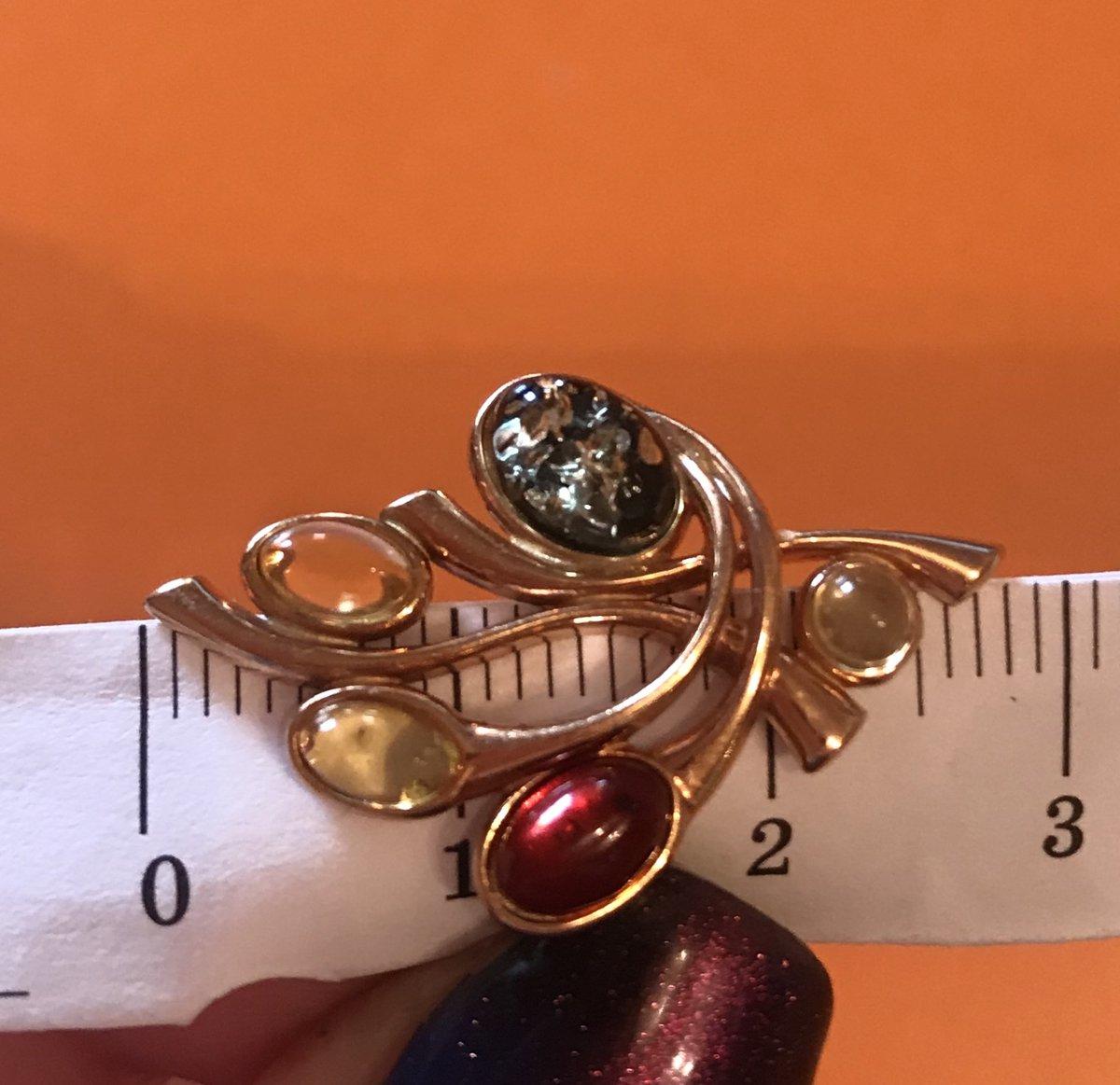 Эффектное кольцо под розовое золото с янтарем