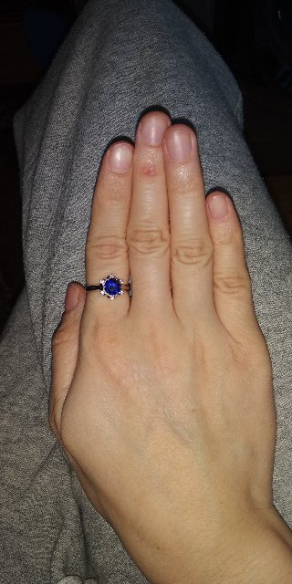 Кольцо из искусственного сапфира