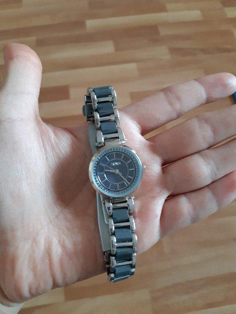 Очень красивые часы, нежно смотрятся на руке!