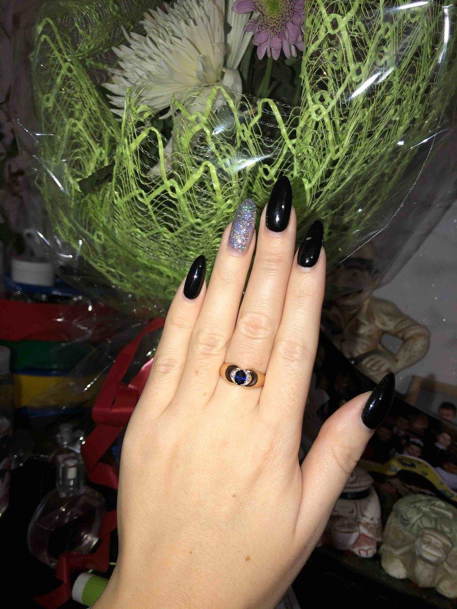 Отличное кольцо!! всем понравилось ! в живую еще лучше чем на картинке !!!!