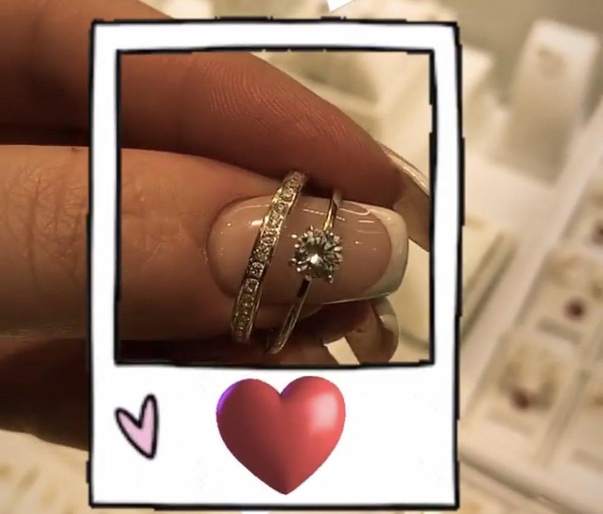 Отличное кольцо . ношу с удовольсвием . посоветовала сестре. тоже купила