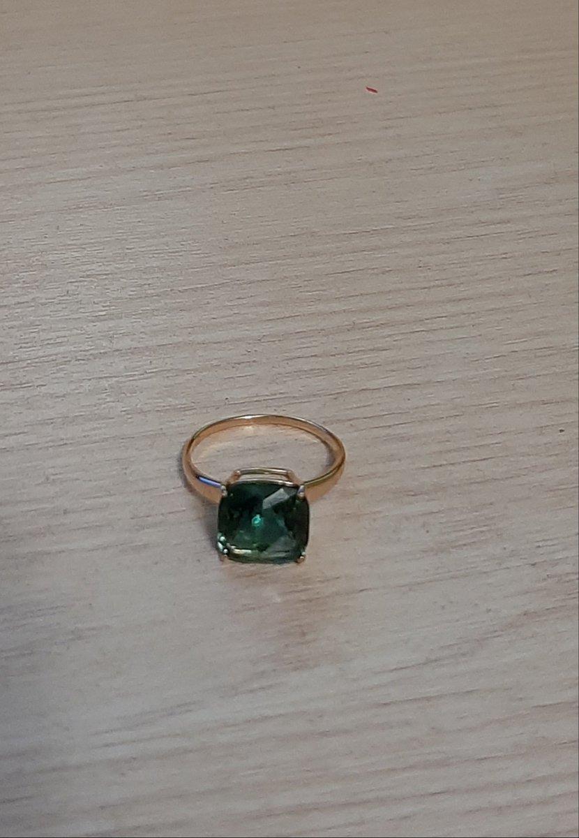 Кольцо красивое, но очень тонкое.