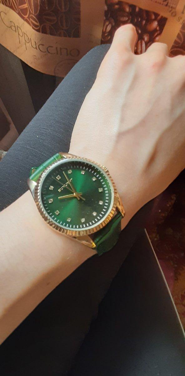 Купил жене часы на день рождения