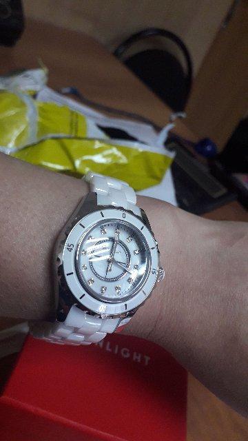 Часы с керамические браслетом ............................